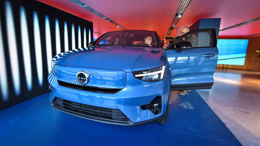 Volvo Cars to buy parent Geely Holding's stake in China JVs