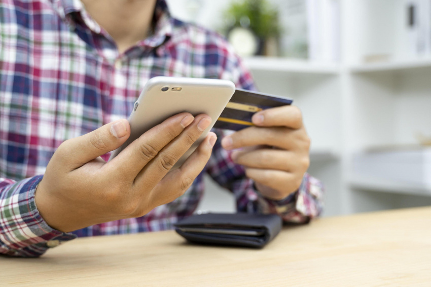 fake or for real? how to know if a text from your bank is legit