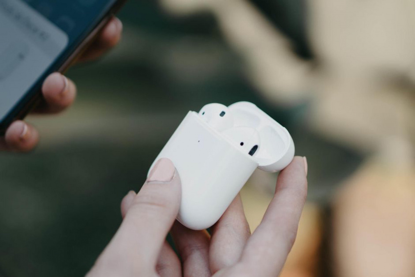 airpods 3 rumors: apple's new earbuds could still arrive this year