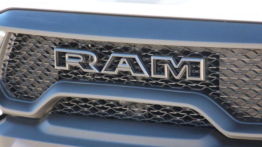 watch ram trx (barely) jump over viper acr for youtube fame