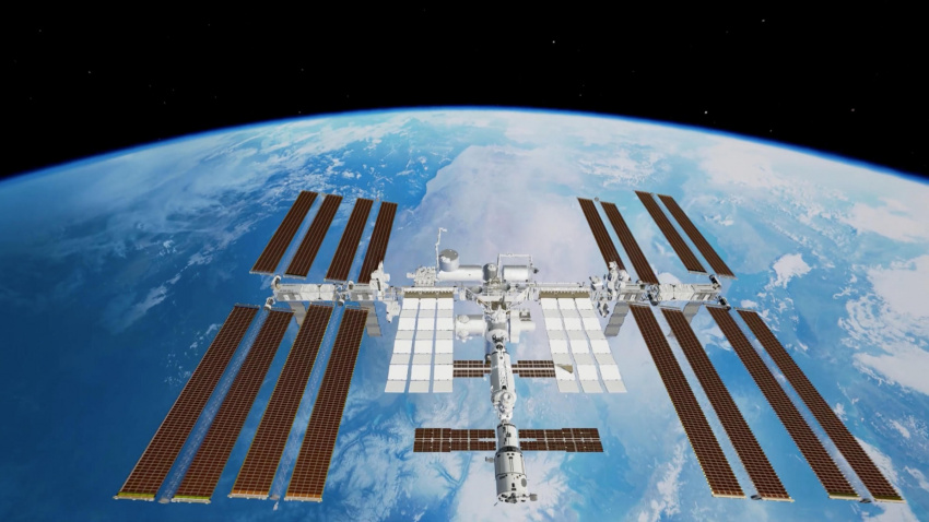 this international space station vr experience lets you explore the iss… and it's as amazing as it sounds