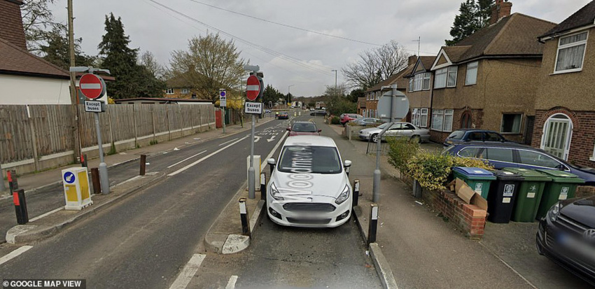 moment 11 vehicles smash into the same steel post in just four weeks