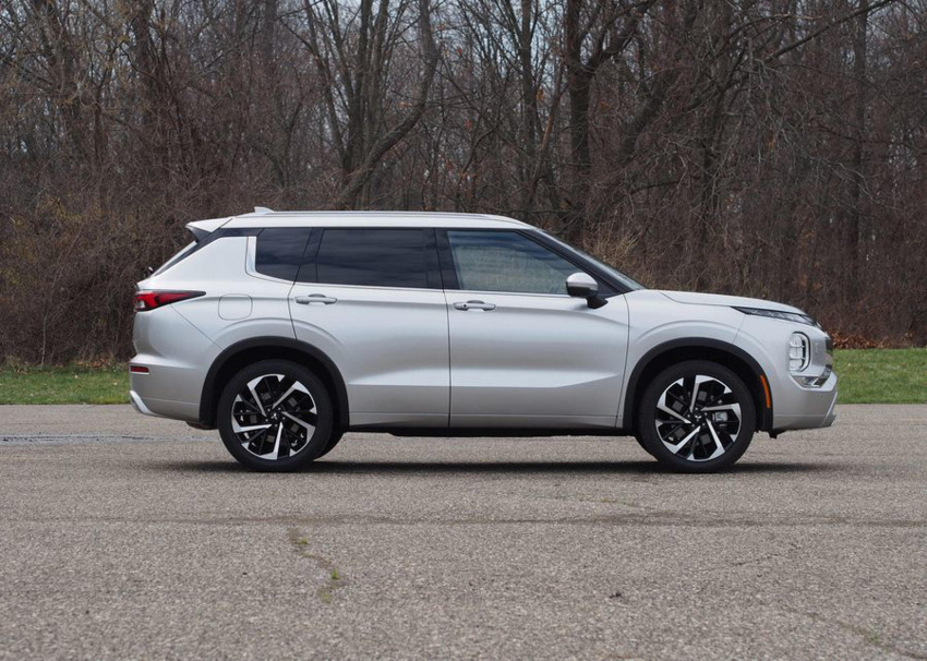 2022 mitsubishi outlander phev shown off ahead of full reveal