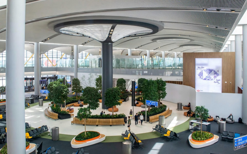 the airports battling to be the world's biggest super-hub